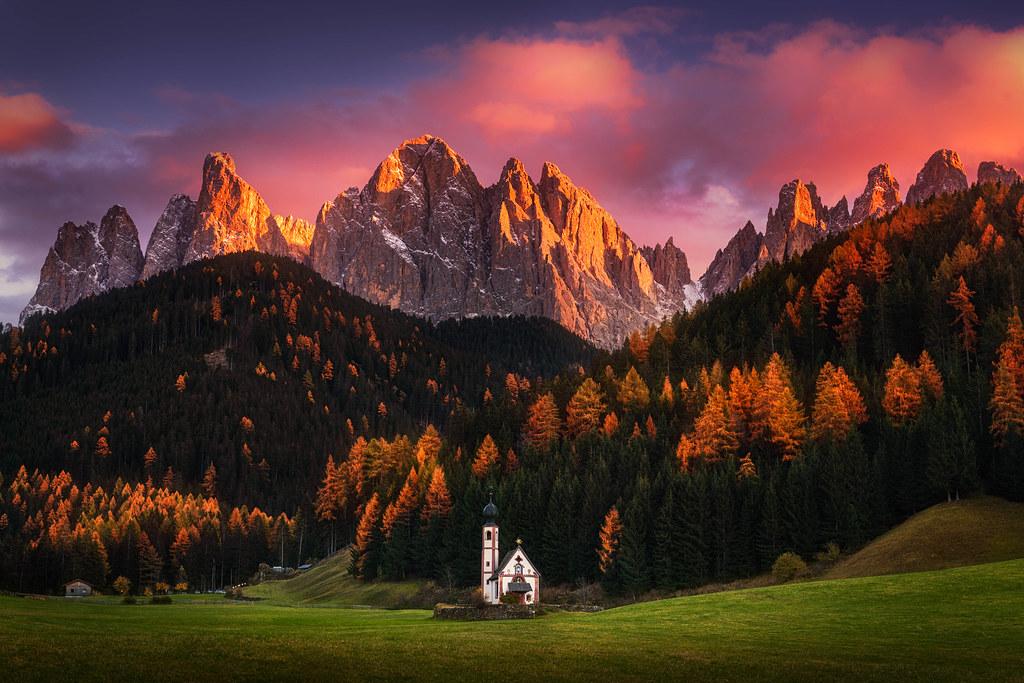 Autumn faith the beautiful st johann church in the for Landscape photos