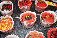 Halloween Cakes Step12 | by Sunshine Hanan