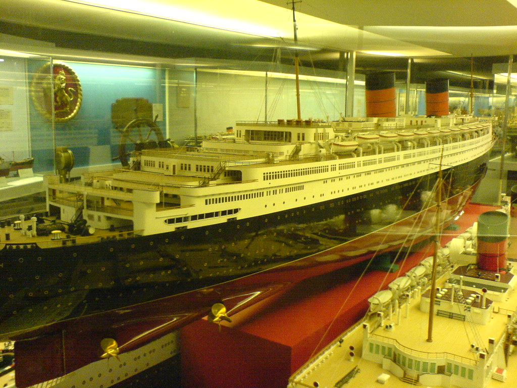 Original Ship Builder 39 S Model Of The Cunard Ocean Liner Qu