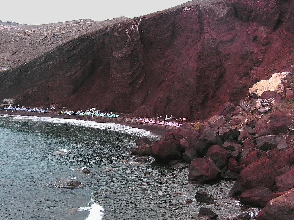 Red beach  The famous Red Beach near Akrotiri, Santorini ...