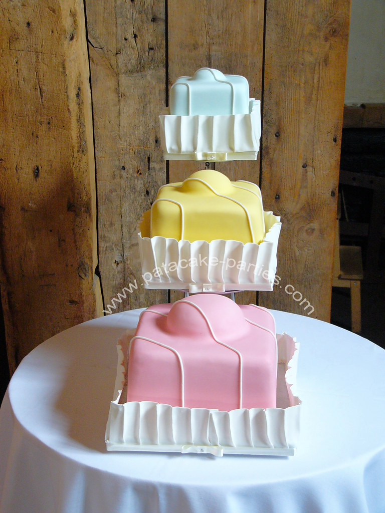 how to make fondant fancy wedding cake fondant fancy wedding cake fondant fancy style 15934