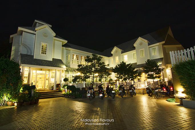 hua-hin-3d2n-wilawan-hua-hin-coffee-bakery-restaurant-thailand