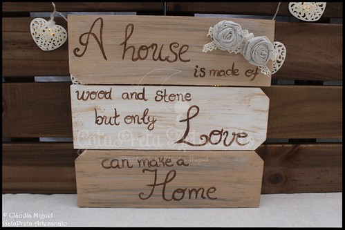 "Placa decorativa ""Love can make a Home"" 