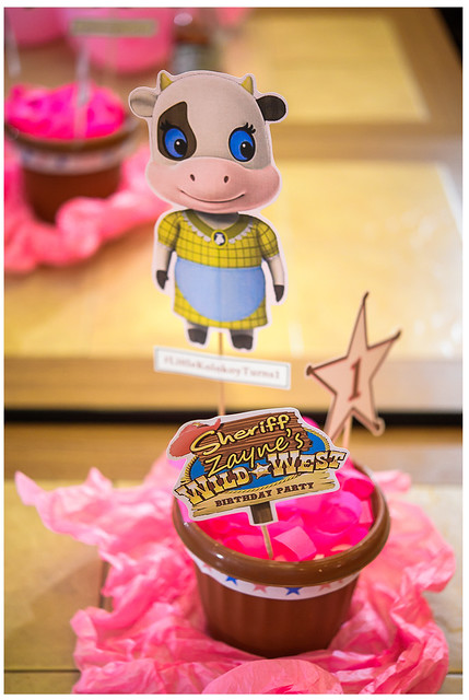 sheriff callie's wild west birthday party table centerpiece