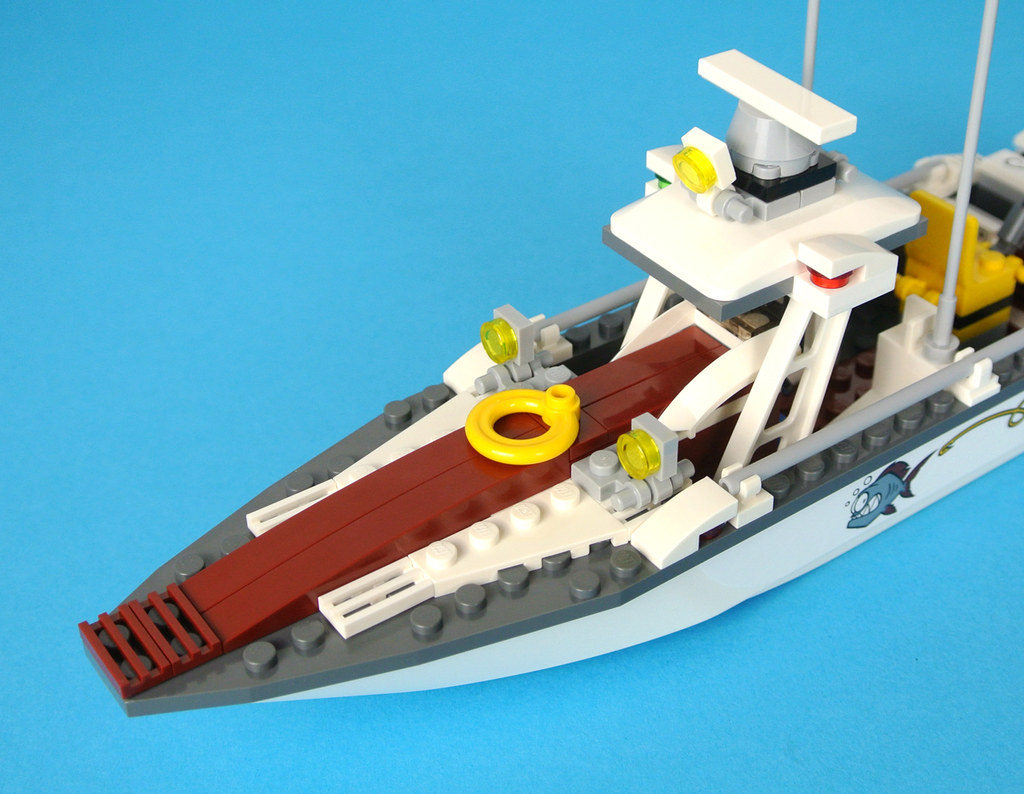 LEGO WHITE BOAT PIECE SPEEDBOAT HULL PART SHIP
