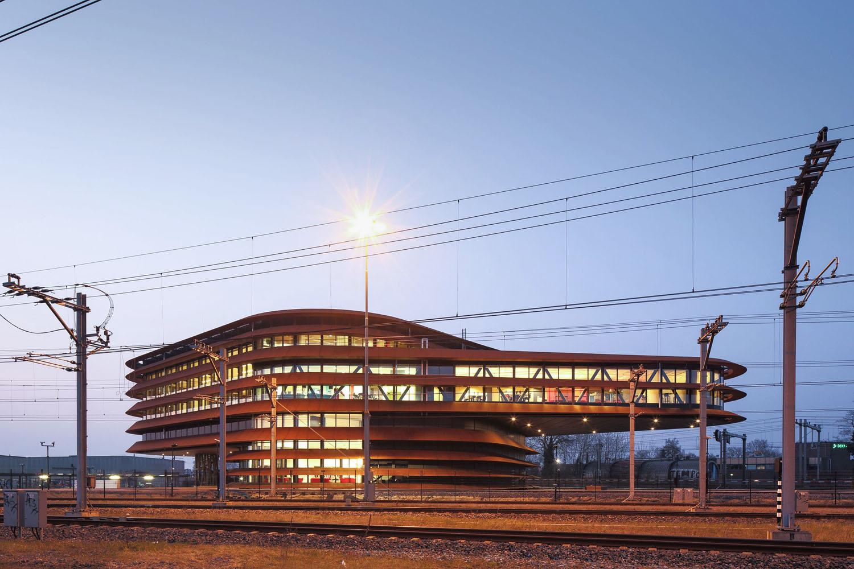 mm_Train khiển Centre Utrecht thiết kế bởi de Jong Gortemaker Algra_01