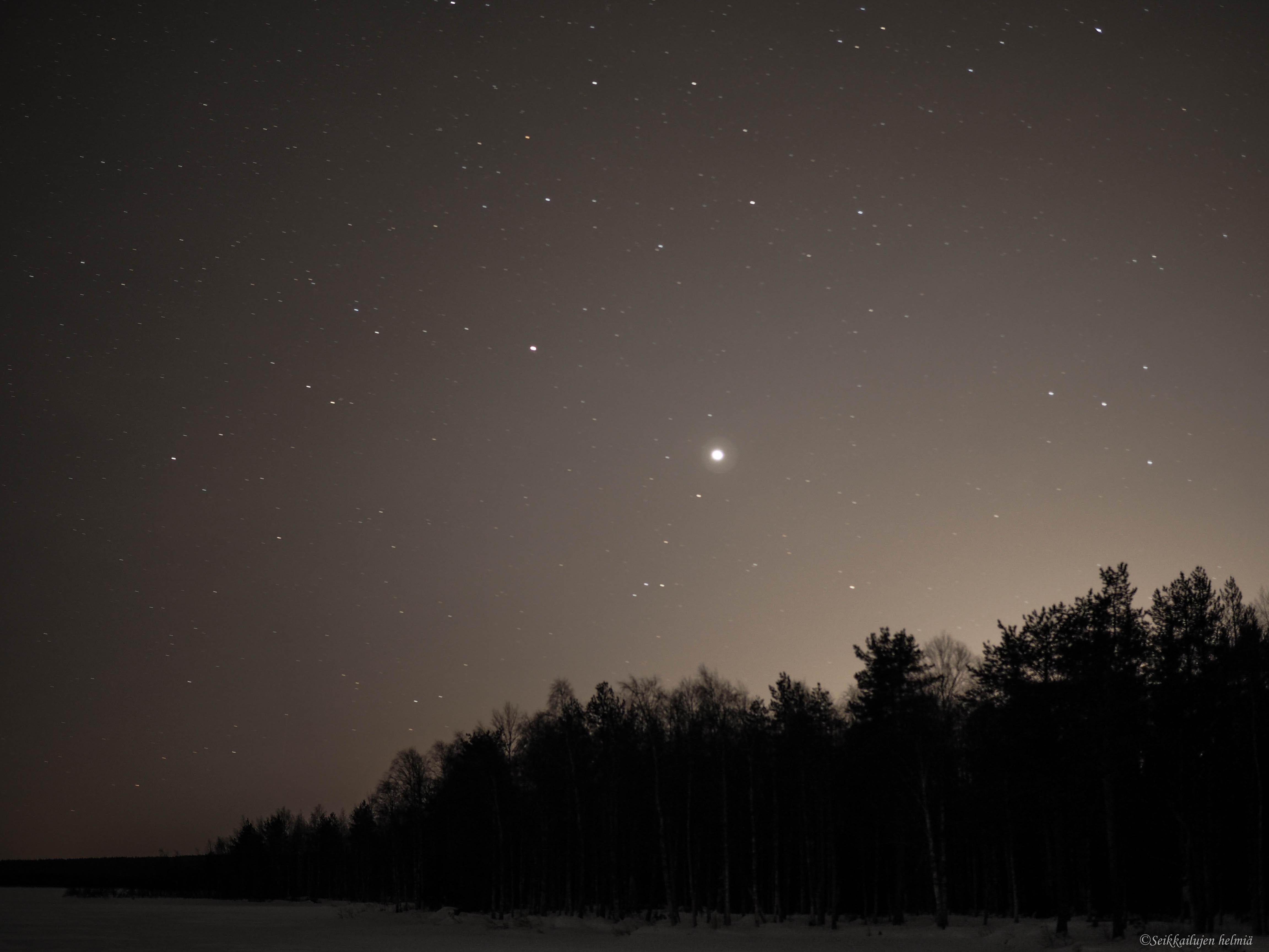 tähtitaivas yökuvaus