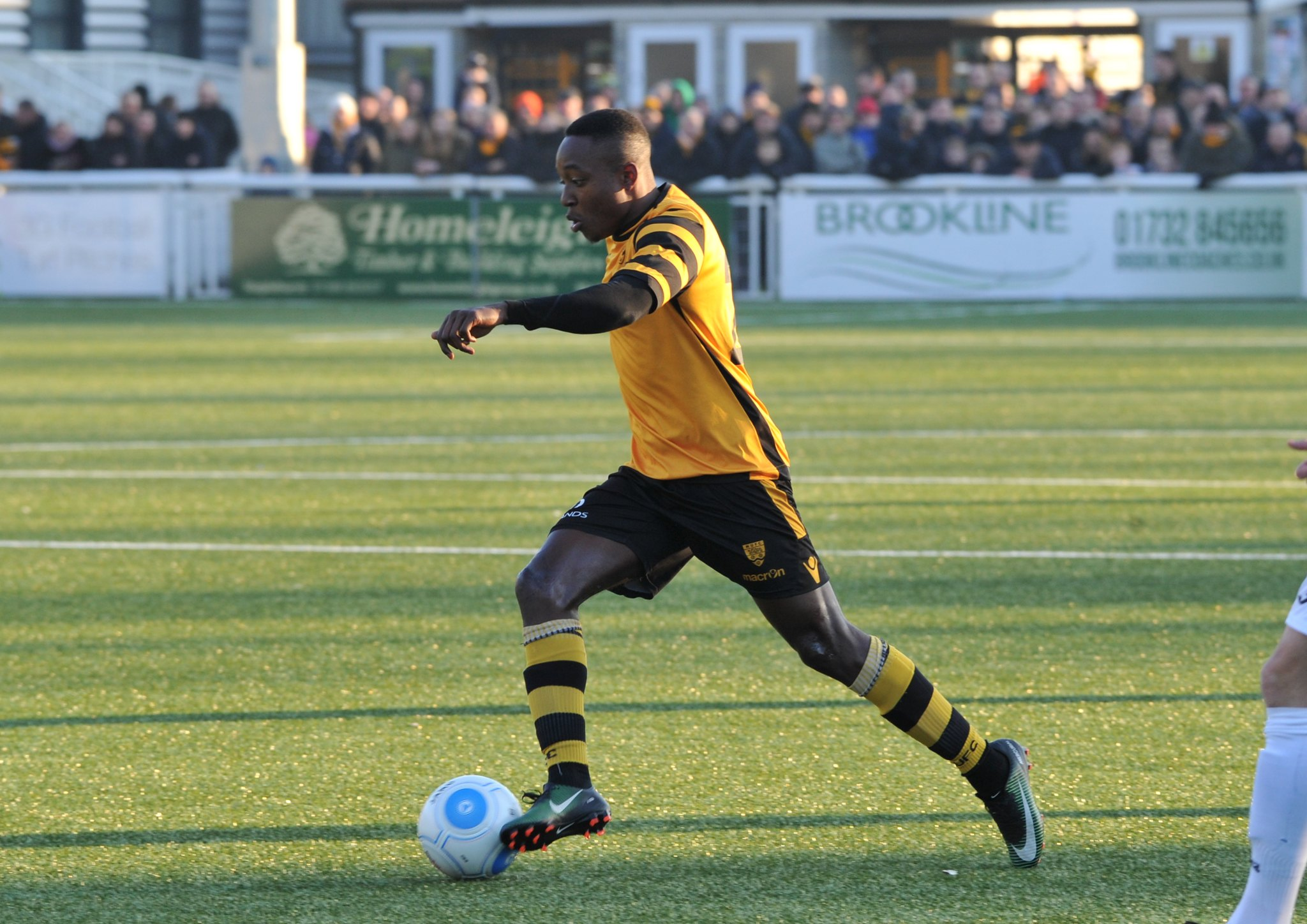 Maidstone United v Torquay United 134