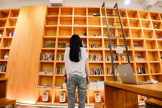 台中 西屯–絕好空間,咖啡配悠閒–目覺咖啡二店 Mezamashi Kohi urban