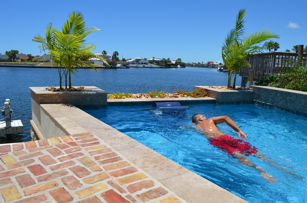 Endless Pools® Fastlane | The Fastlane swim-current generato ...