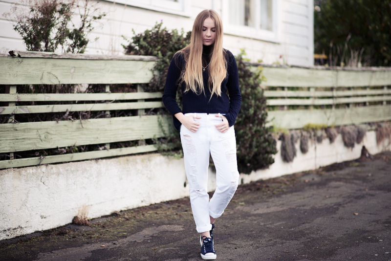 Stolen Inspiration | Kendra Alexandra | New Zealand Top Fashion Blog | Glassons edt. top, Boohoo white jeans, Converse suede sneakers, Pandora jewellery