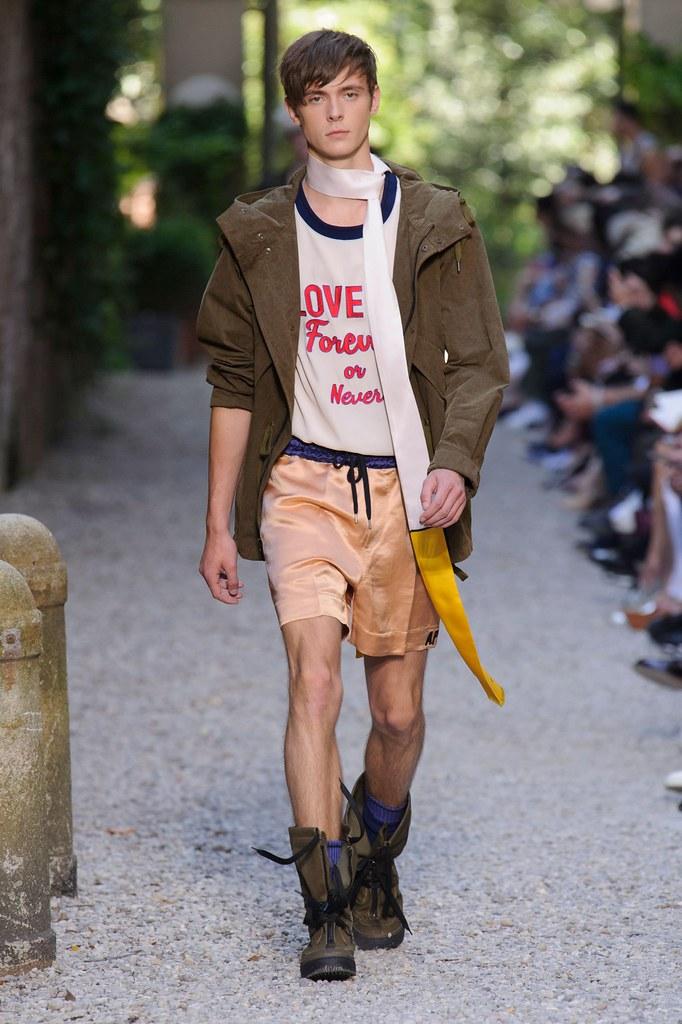 SS16 Milan Andrea Pompilio022_(fashionising.com)