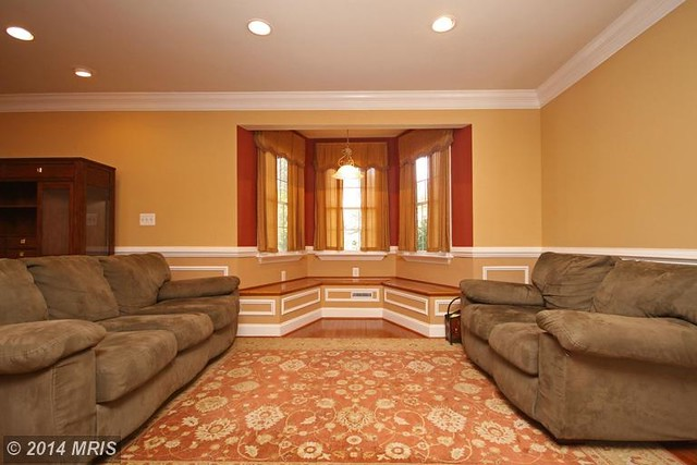AA8492030 - Living Room