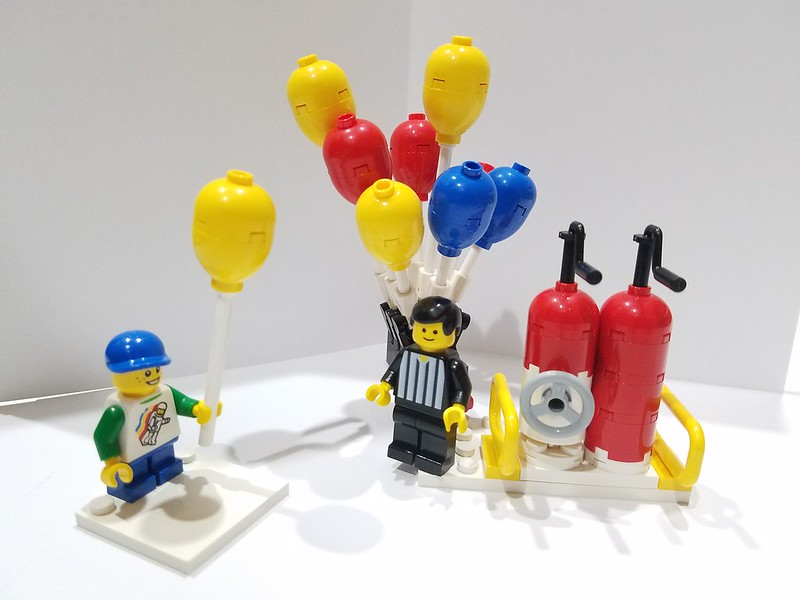 What to do with the extra parts from 70900 Jokers Balloon escape ...