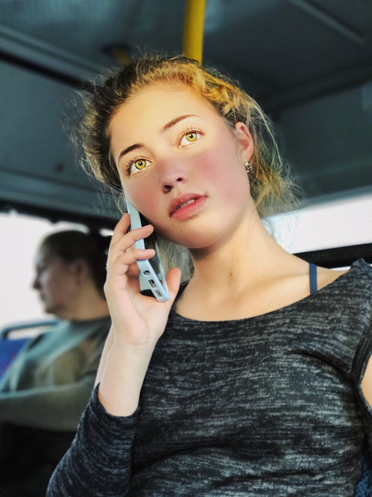 Sun Kissed Real People Lifestyles One Person Leisure Activity Young Women Young Adult Casual Clothing Front View Women Vehicle Interior Indoors  Close-up Day Mydbusmoments מייאייפון7 IPhone 7 Plus IPhone7Plus Iphone7plusportraitmode