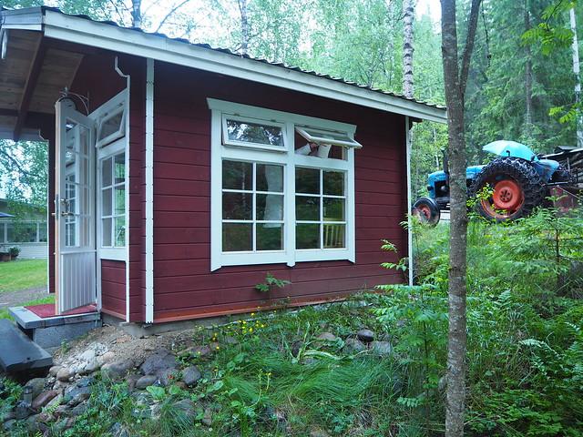 mökki padasjoki3JPG, kesäkeittiö, summer kitchen, summer cottage, summer house, kesämökki, summer, kesä, luonto,  nature, traktori, vihreä, mökki,