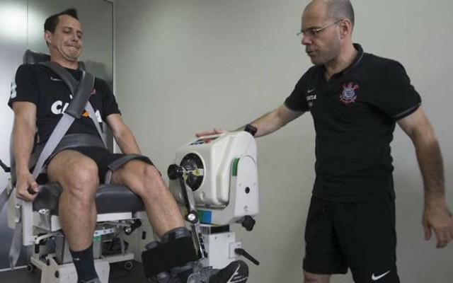 Corinthians bate o Red Bull por 3 a 1 em jogo-treino no CT Joaquim Grava