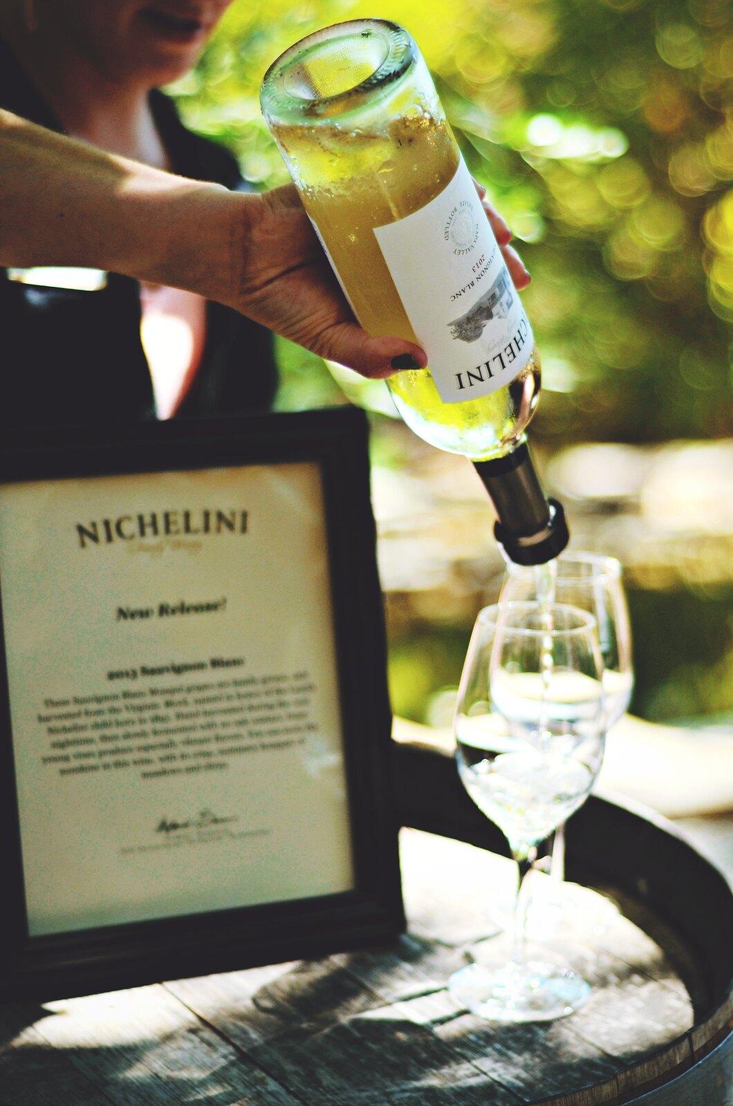 Wine tasting at Nichelini Vineyard in Napa Valley, USA | via It's Travel O'Clock