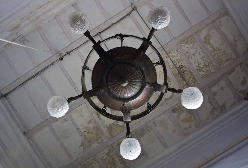 Chandelier inside Beth-El Synagogue - Kolkata, India