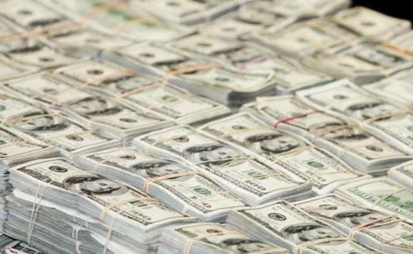 Profundiza el peso su caída frente al dólar