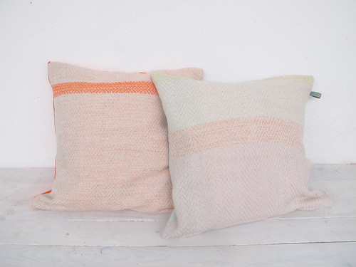 HANDWOVEN CUSHION - hermine van dijck