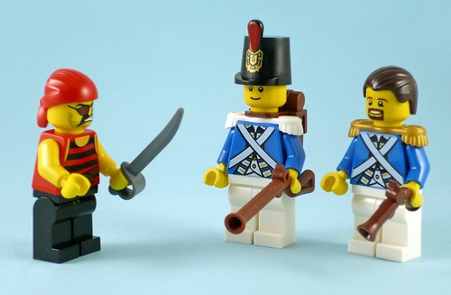 LEGO Pirates 70410 Soldiers Outpost figures01