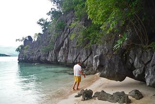 Coron - Coron island beach walk