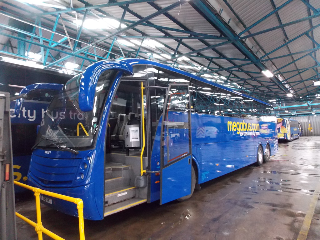 ... JamesEmberton1999 Stagecoach Midlands (Megabus) FJ08KNY 59301 | by  JamesEmberton1999