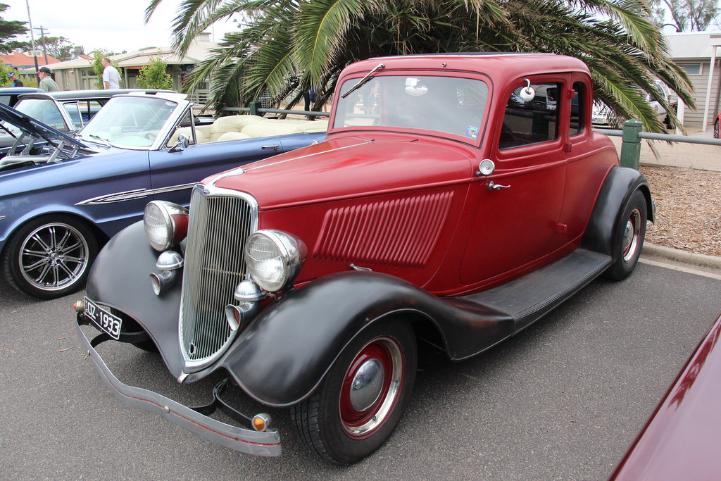 1933 ford model 18 5 window coupe like the 1932 ford for 1933 3 window coupe