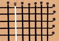 クラフト紙29_横と縦でペンキを塗る黒プレーンと白プレーン