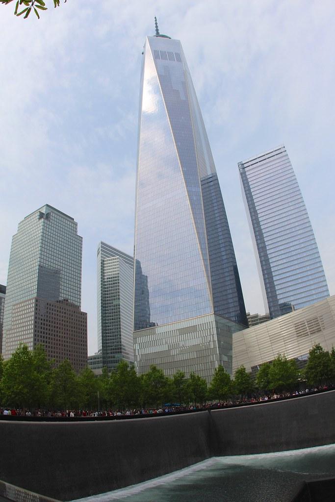 Freedom Tower and Memorial Pool | 9/11 Memorial @ New York ...