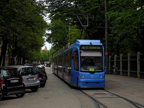 Wegen der Sperrung des Romanplatzes wendet die Linie 16 über das Stumpfgleis in der Zirkus-Krone-Straße