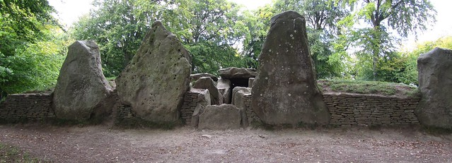 Wayland's Smithy Burial Chamber
