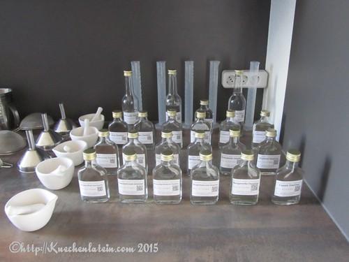 ©Gin Workshop in der Küche Ahoi - fertige Destillate