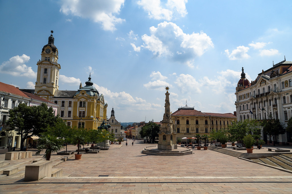 Pécsi vár, Szent Péter és Pál Székesegyház, Gázi Kászim pasa dzsámi, belváros
