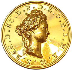 GOLD BEE medal obverse