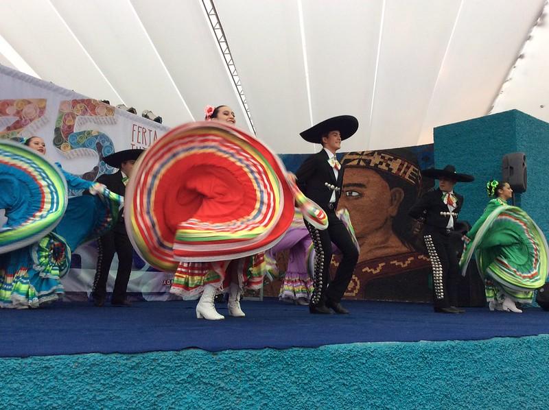 Ballet Raíces de Chile y México