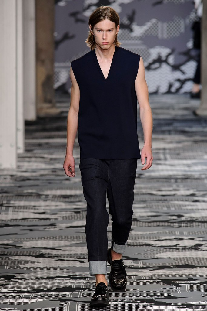 SS16 Milan Neil Barrett034_Anton Toftgard(fashionising.com)