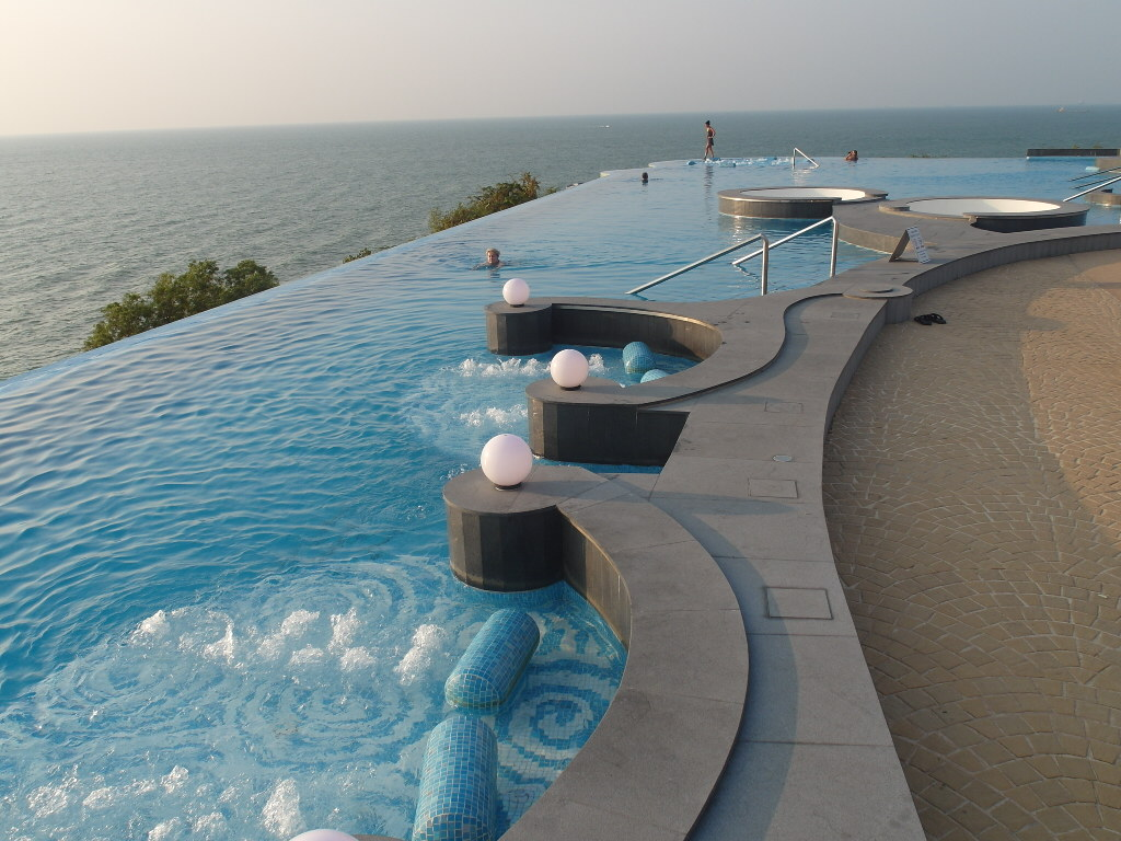 Pattaya Royal Cliff Beach Hotelli