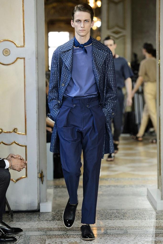 SS16 Milan Corneliani004_Nicholas Costa(fashionising.com)