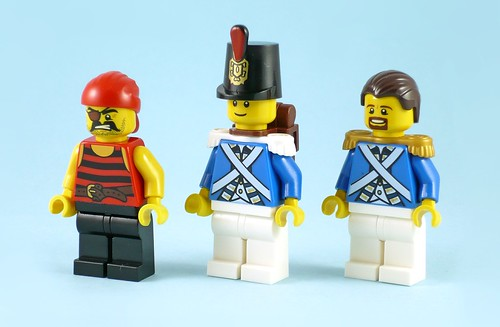 LEGO Pirates 70410 Soldiers Outpost figures02