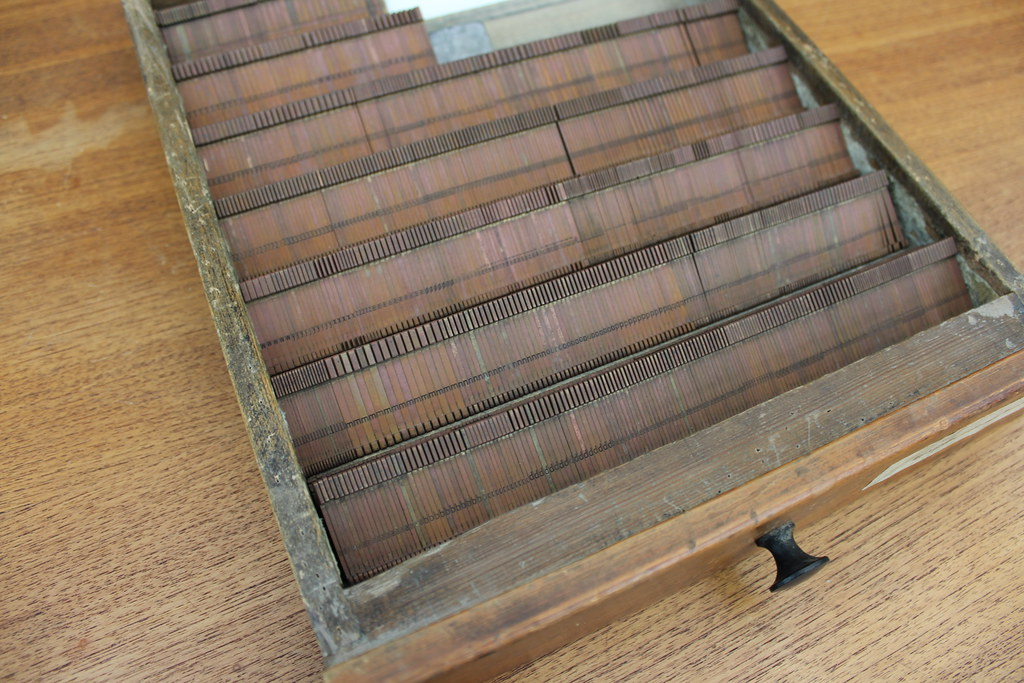 For sale: 8∆420 Linotype/Intertype mats for Baskerville Ro