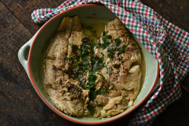 pastrav la cuptor in sos aromat corina ureche (3)