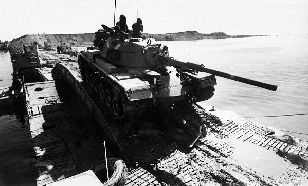 Pontoon-bridge-M48-1973-hrv-3