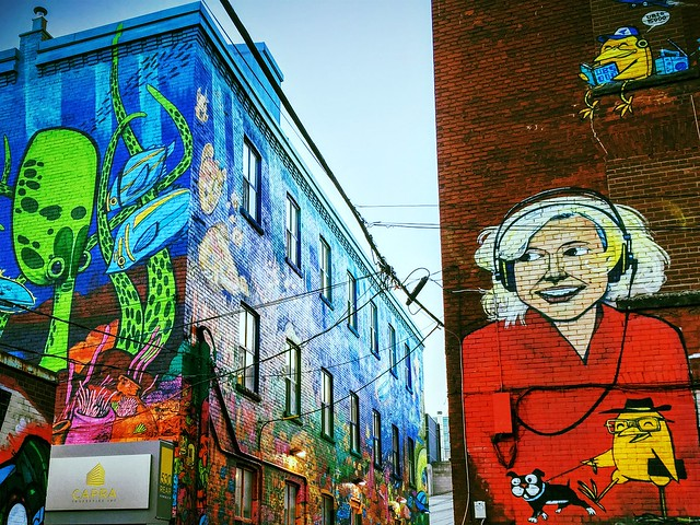 Uber5000 sur Graffiti Alley, à Toronto (Canada)