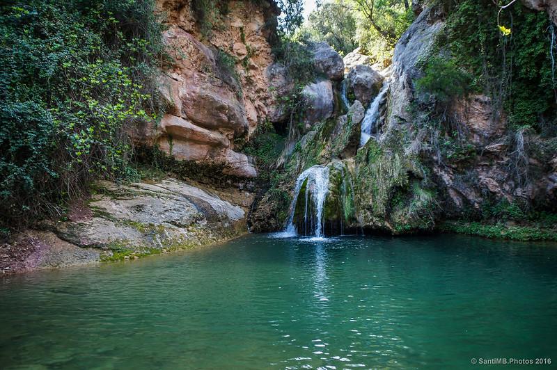 El Niu de l'Àliga en el valle del río Glorieta