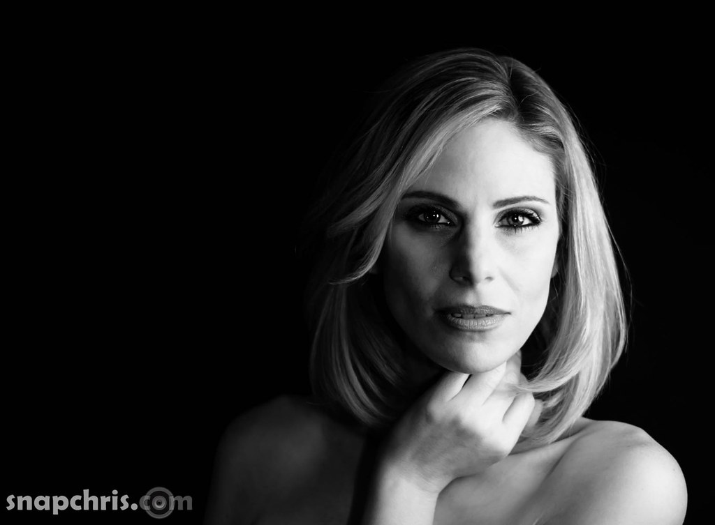 Black And White Photography Woman As Temptress : B w portrait of a beautiful woman chris willis flickr