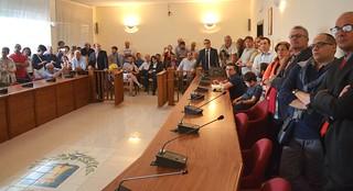 Casamassima- Giusta Vito Cessa- Giuseppe Nitti sarà Presidente del Consiglio- Nica Ferri grande assente- Fuori SELl pubblico presente durante la cerimonia