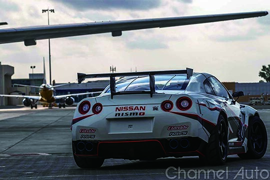 Nissan GT-R Breaks the GUINNESS WORLD RECORDS title