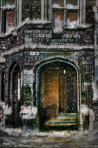 Image of entrance to apartments at Windsor Castle in England